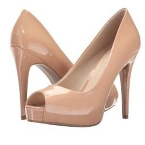 GUESS PEEP TOE PLATFORM PUMPS